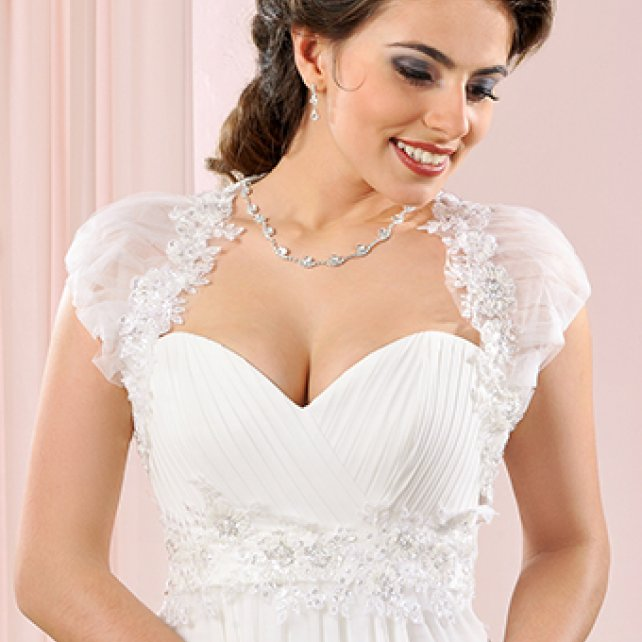 Bridal Boleros Malta   Services Malta   Eve\' s